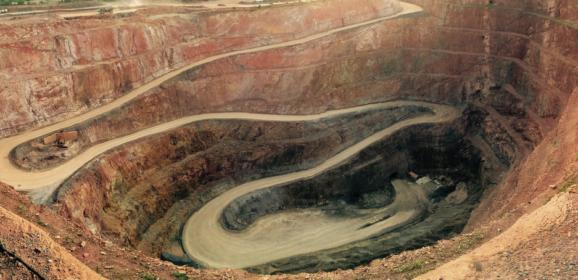 Mission d'évaluation des enjeux socio-économiques et environnementaux des projets miniers en Guyane