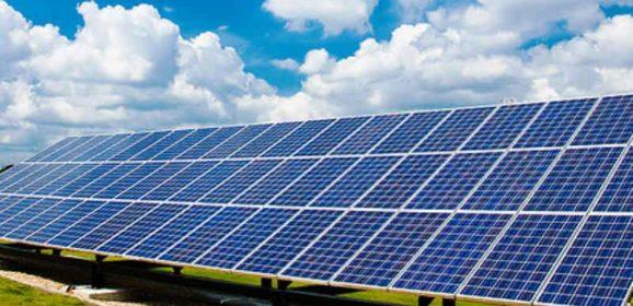 Le Royaume-Uni déploie son premier parc solaire non subventionné