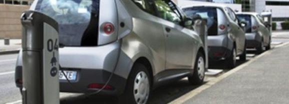 Une prime jusqu'à 2 000 euros pour les automobiles hybrides et rechargeables