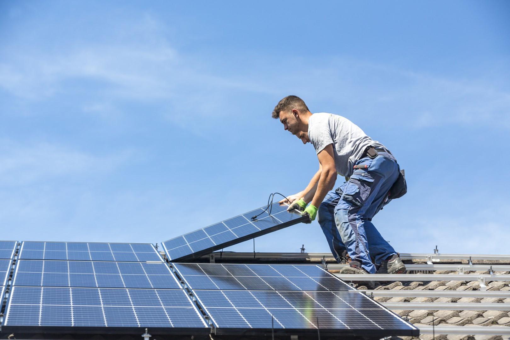batterie-pour-panneaux-solaires