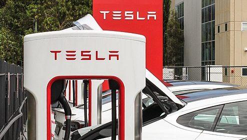 Tesla – Suspension de la production dans deux Gigafactories aux USA